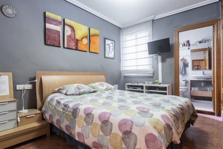 Habitacion doble baño privado económica en Centro
