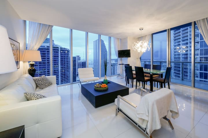 PENTHOUSE SPECT. 3Beds/2Baths, CLOSER TO THE SKY