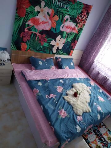 温馨高层两居大床房