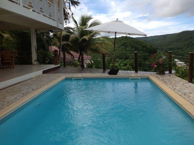appartement piscine calme confort jardin tropical - Les Trois-Îlets - Apartament