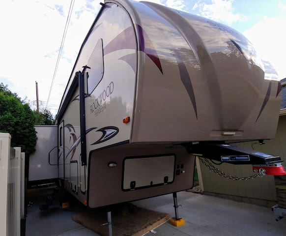 RV Trailer Stay in Spokane South Hill
