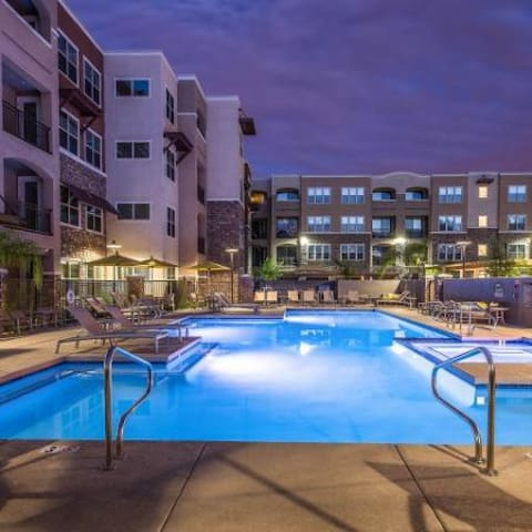 New Scottsdale Condo near Entertainment District