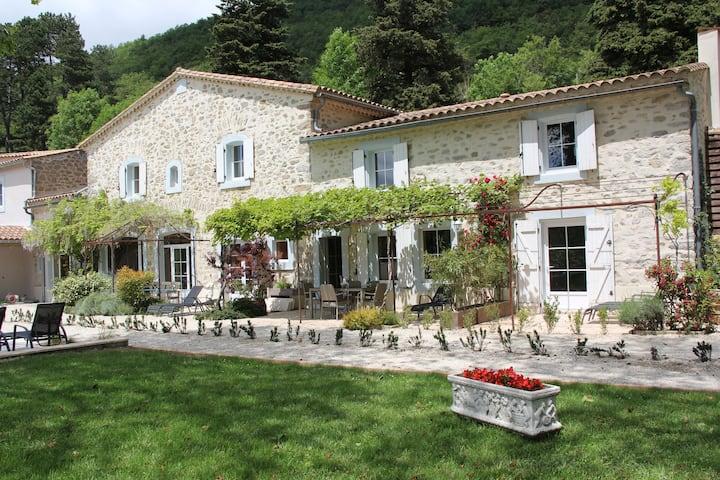 Les Jardins de Soulane B&B ( site Web )