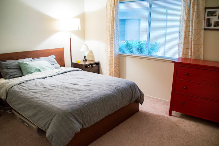 Charming apartment, walk to downtown Sunnyvale!
