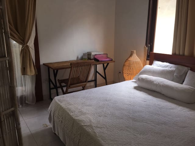 Charming double bedroom in the heart of Canggu
