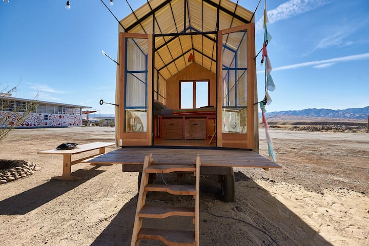 Gable Hut at Blue Sky Center - New Cuyama - Maja