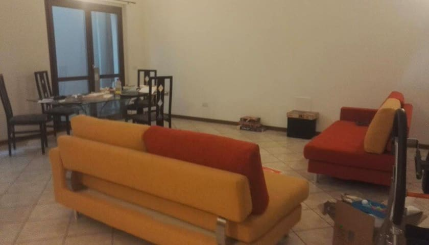 Private Room with toilet 15min walk from station