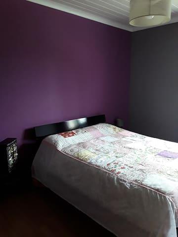 Chambre 3 avec armoire  de rangement également