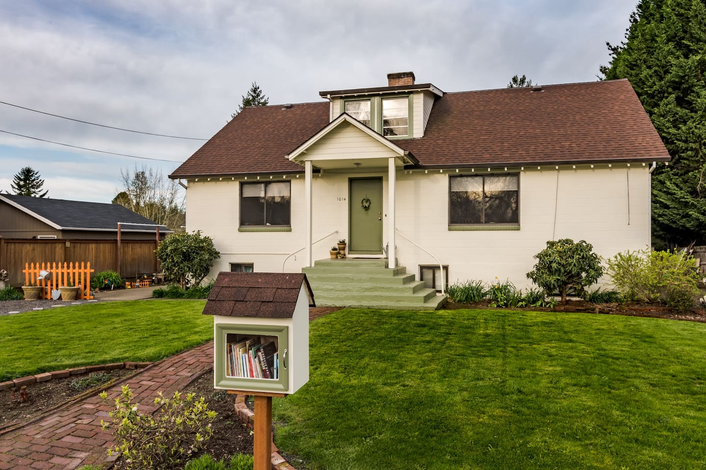 "Welcome to Wimsey Book Cellars!  Our 1940's farm house, set at the south edge of Newberg in the heart of the Willamette Valley's wine country, awaits your arrival!  Thank you ""Nathan Labunski Photography"" for amazing, friendly and professional photos."