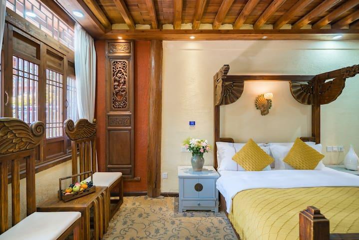 古香古色的纳西大床房