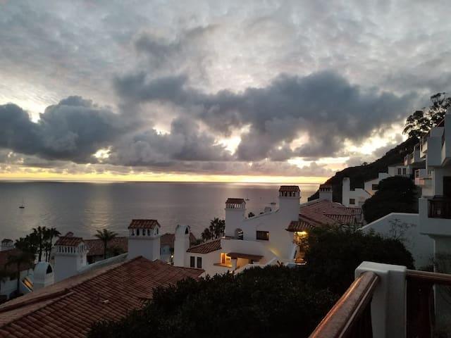 Breathtaking View Villa in Hamilton Cove