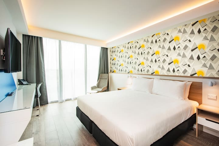 Modern hotel room in heart of Christchurch CBD