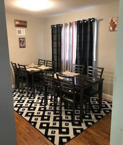 Close to NYC C3: 3 Bedroom and 2 Bathroom  7 Beds