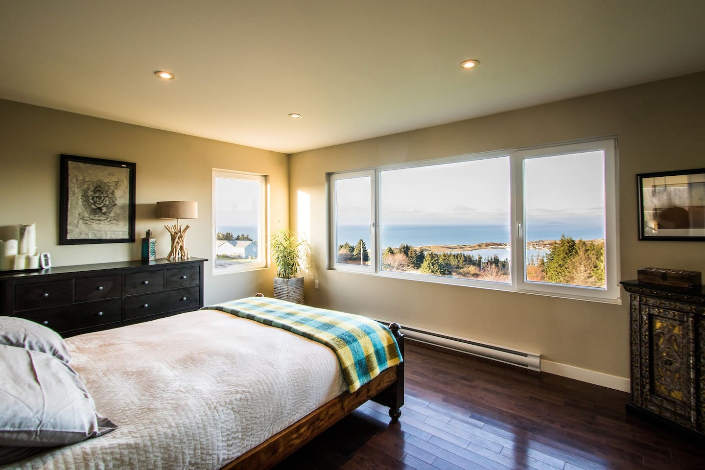 Master bedroom with view of Cabot Links & Gulf of St Lawrence