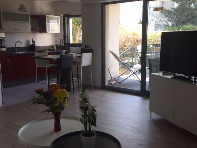 Pointe Rouge, Appartement de standing, Piscine - Marseille - Huoneisto