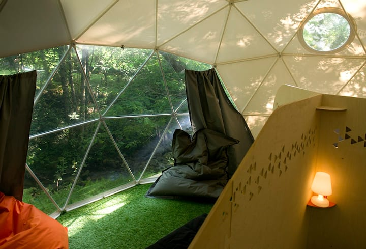 Dome 4 - glamping in the heart of the campsite