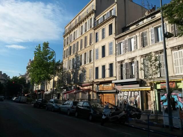 Appartement dans le quartier animé du Cours Julien