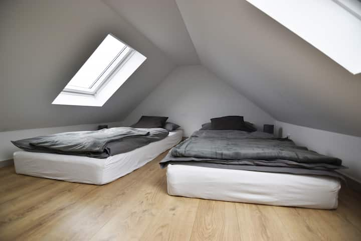 K06c Cozy Apartment with smart TV - close to cologne fair and near to cologne downtown