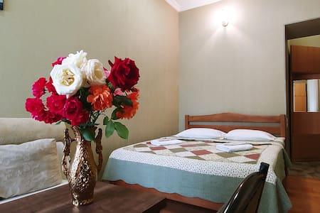 nomer for 4 person, with private bathroom-спальня на 4 человек, с собственной ванной комнатой