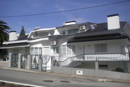 Casa Branca a 25 km du Porto, 17 km do Mar