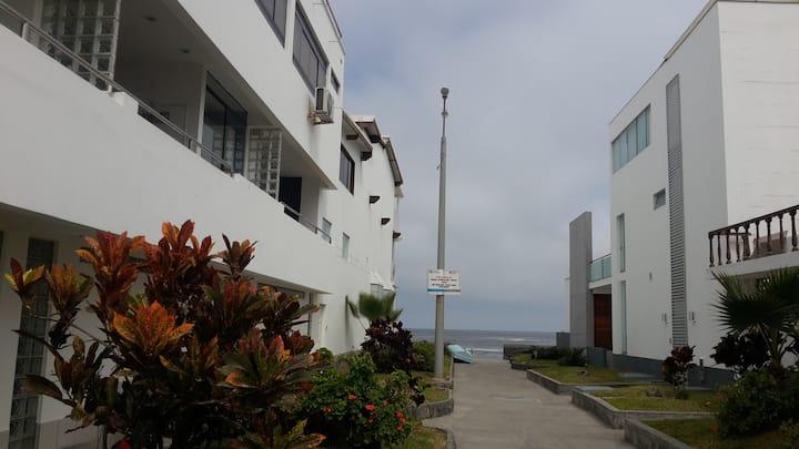 Casa en Playa Blanca de Punta Hermosa en Lima