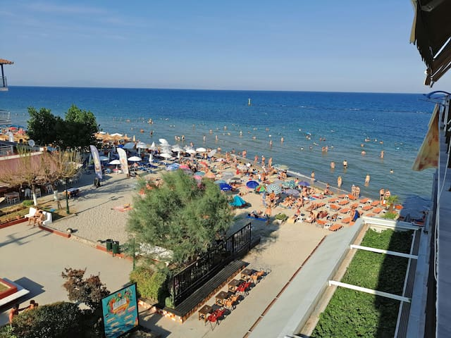 APARTMENT Just On The Beach - Paralia - Apartemen