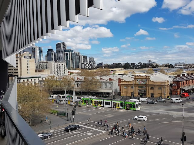 Melbourne CBD Luxury with 5th Floor Views! 25% OFF