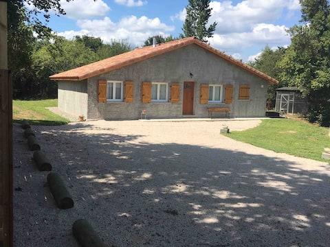 Gîte Bòrda 3 chambres à la campagne
