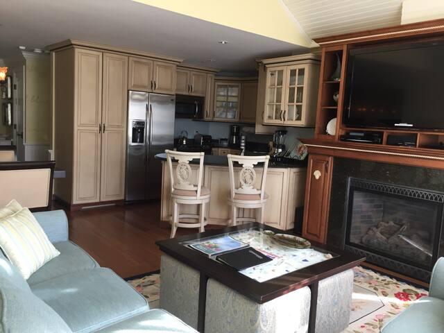 Luxury Condo, 2 Bed/3 Baths, At Cape Codder Resort - Barnstable - Apartamento com serviços incluídos