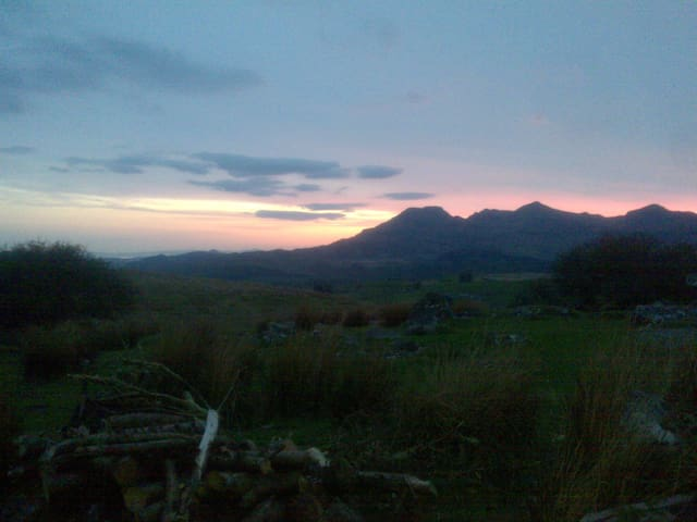 Mountain Retreat- Cosy 4 bed shared room - Blaenau Ffestiniog - Internat