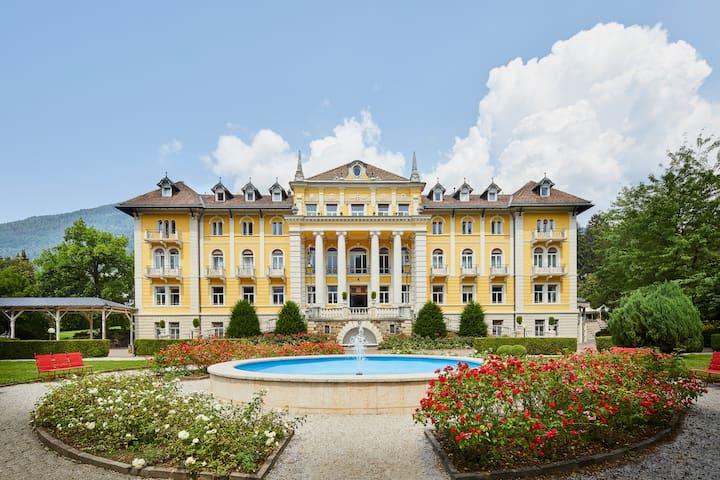 Urlaub in Sissis Schloss inkl. Frühstück