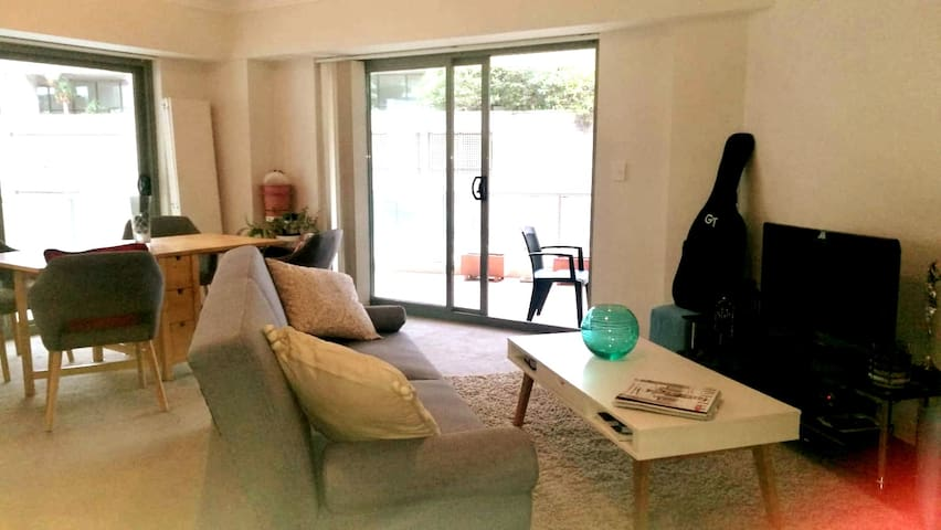 Apartment Manly - 50m to BEACH