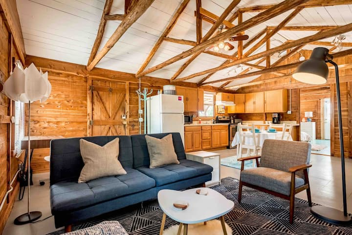 BLM: Peaceful Cabin w/ Pool, Kitchen, Fire pit
