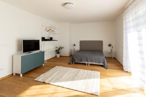 Cozy 40m2 with parking, 10min to center