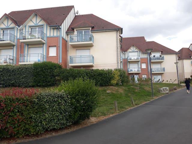 Appartement dans domaine panoramique avec balcon