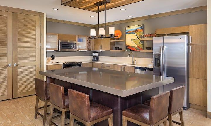 """Luxurious 2 BR Suite in Avon, Colorado"""