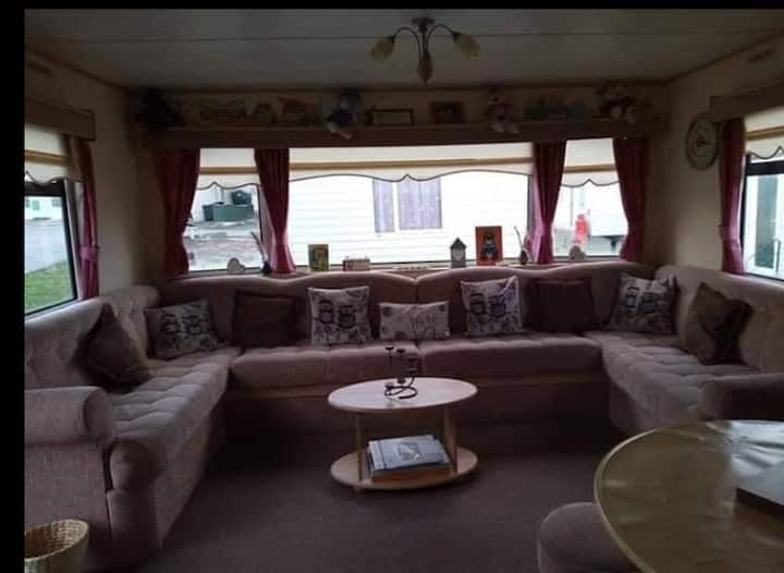 3 bedrom Family caravan by the sea Borth, wales