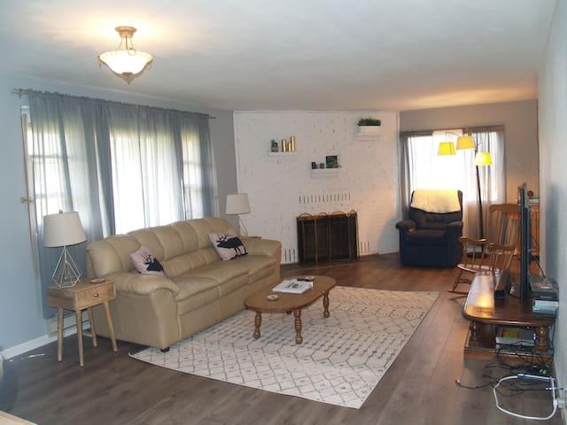 The Elk Inn-Fully furnished home near Mt St Helens