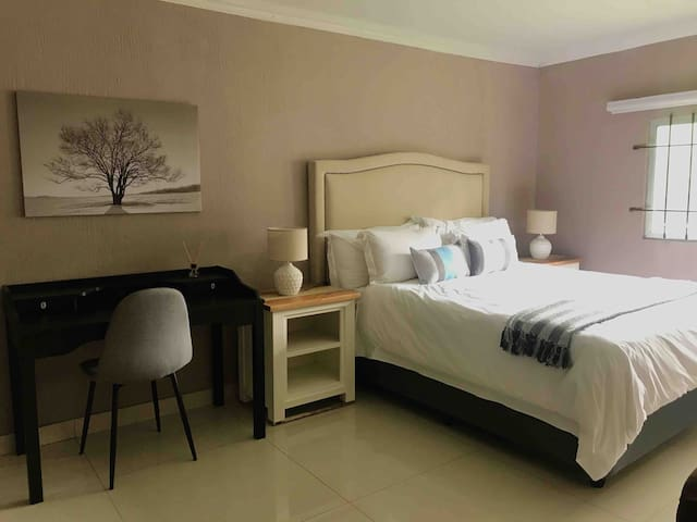 Cosy Fourways Studio Cottage