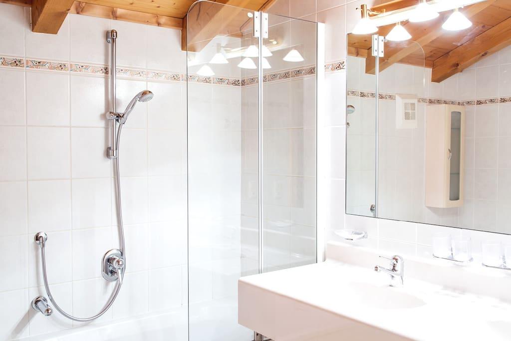 Badezimmer in den Appartments