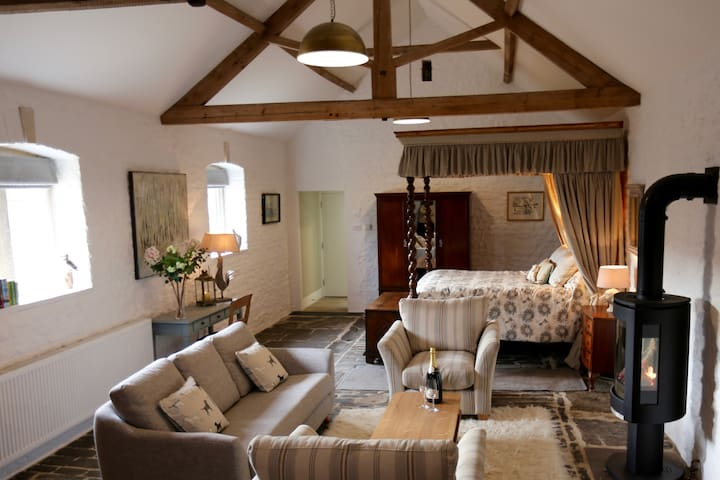Romantic, cosy barn, near Bath. - Bath - Huis