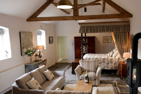 Romantic, cosy barn, near Bath. - Bath - Rumah