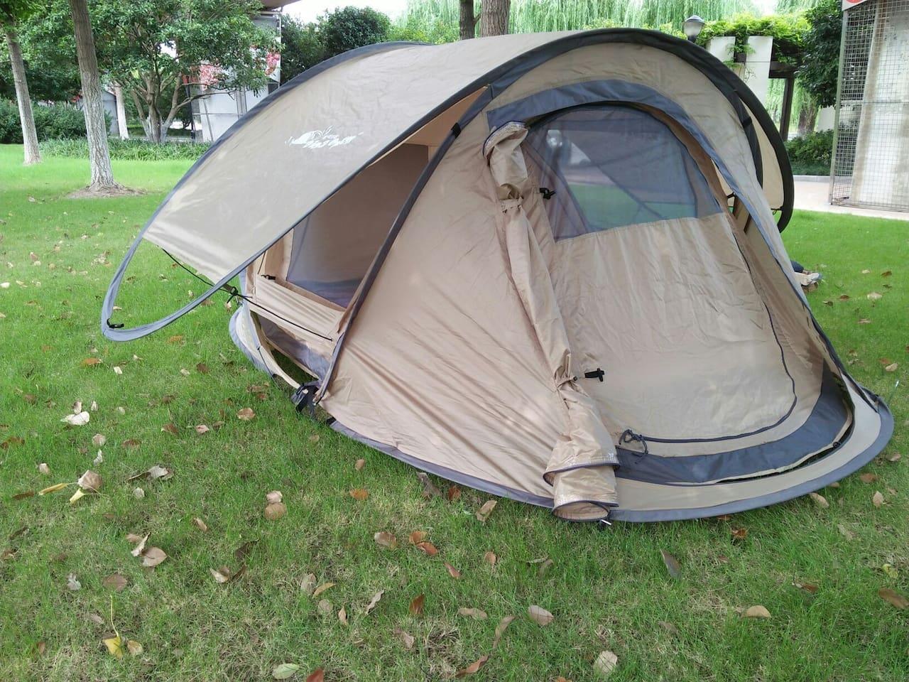 帐篷前面纱窗封闭效果图