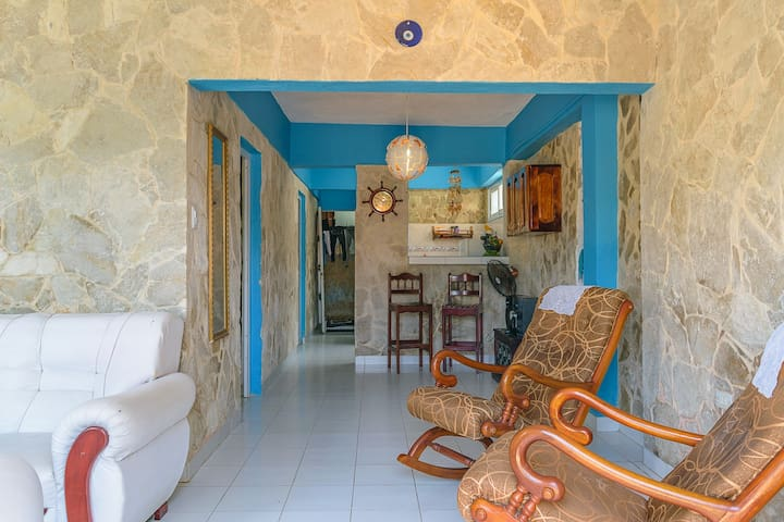 CASA LILY - ROOM 2 - GUANABO
