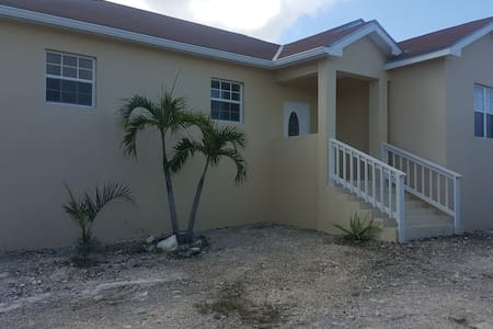 Enjoy a peaceful stay in Paradise - Blue Hills, Providenciales - House