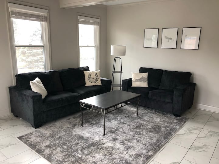 Swanky Fully Equipped St. Matthews Apartment