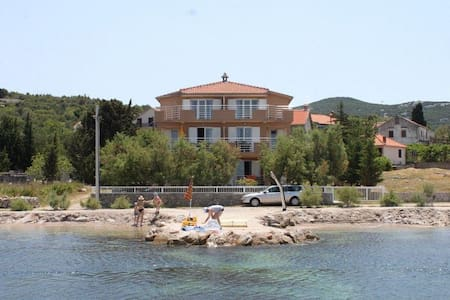 Studio flat near beach Banj, Pašman (AS-8206-b) - Banj - Другое