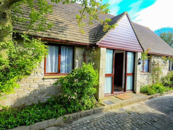 Larkshill Cottage, 2 bedrooms, Kingston