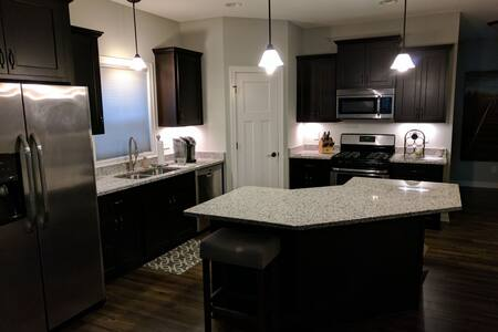 Beautiful Townhouse for Your Stay-3BR, 2.5 Bath - Elk River - Byhus