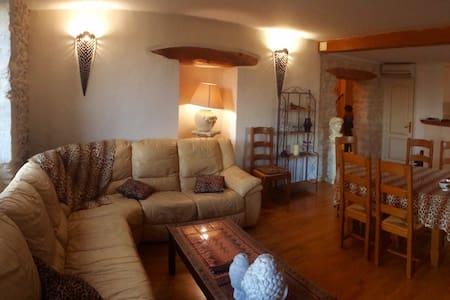 appartement de charme 94 m² - Senas